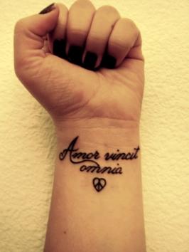 amor_vincit_omnia_by_beatsforonlyyou.jpg