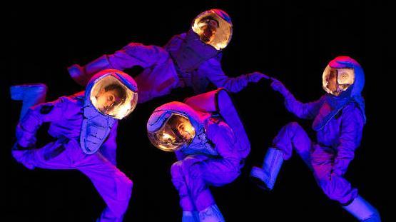 astronautas_baixa_0.jpg